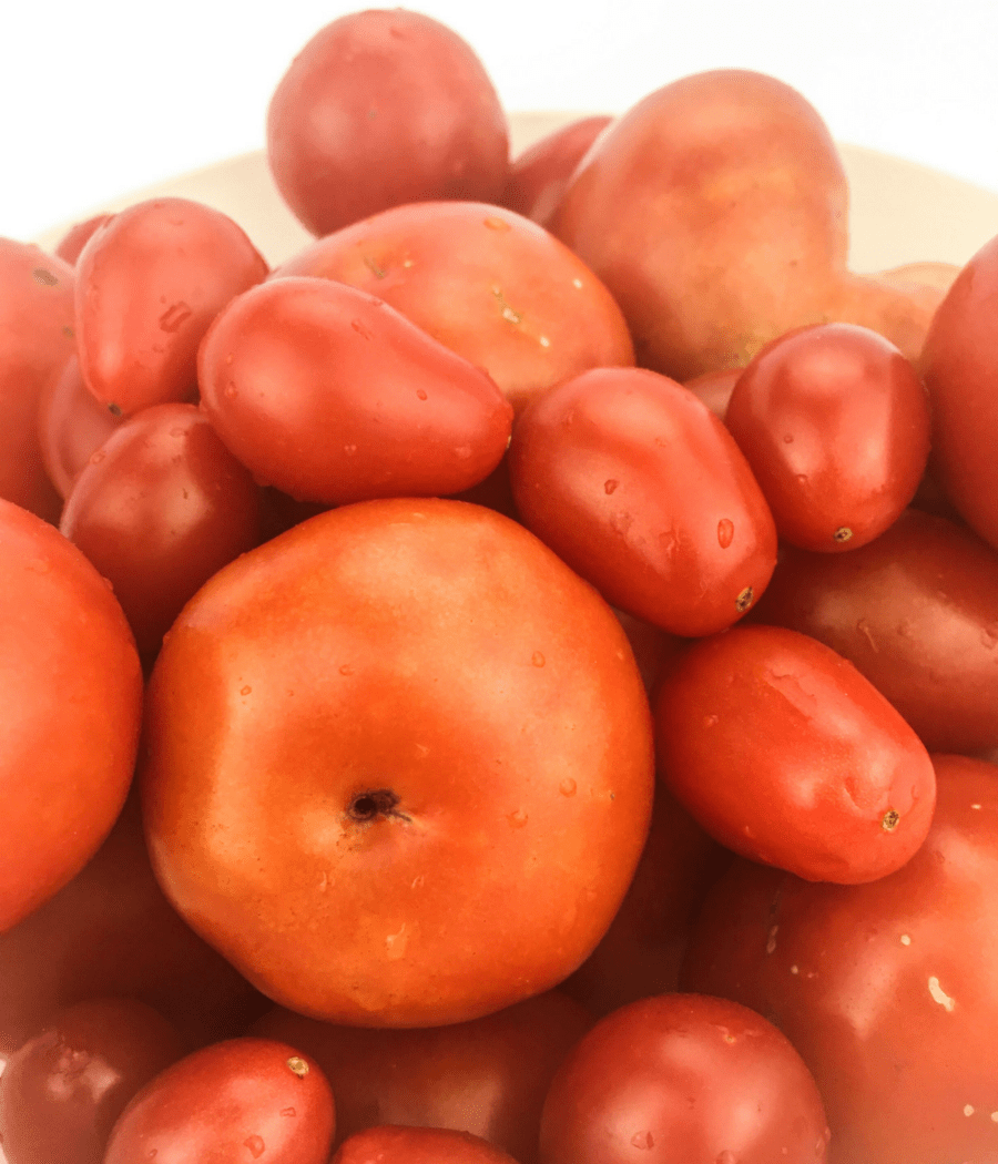 Make tomatoes low lectin with this peeling and deseeding method.